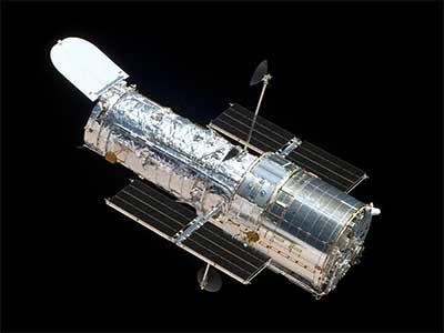 हबल स्पेस टेलीस्कोप (Hubble Space Telescope ...